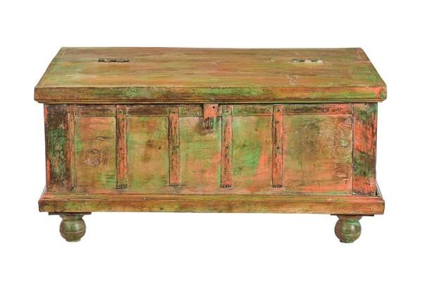 Holztruhe Vintage natur mit bunter Restpatina