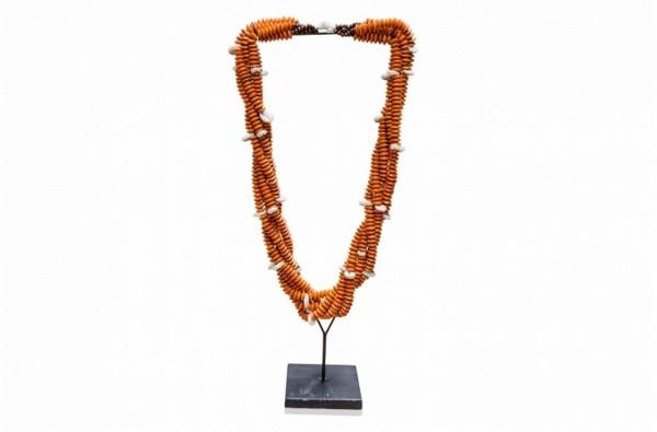 traditionelle Muschel-Halskette aus Indonesien