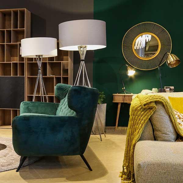 media/image/lampen-loungesofa-spiegel.jpg